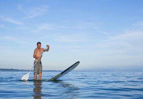 SUP Board Gleichgewichtsuebung auf dem Bodensee